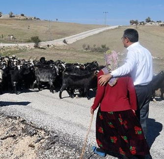 Konuk: Şefkat Pınarı Annelerimizin Ve Vatan Topraklarına Sahip Çıkan Çiftçilerimizin Günü Kutlu Olsun