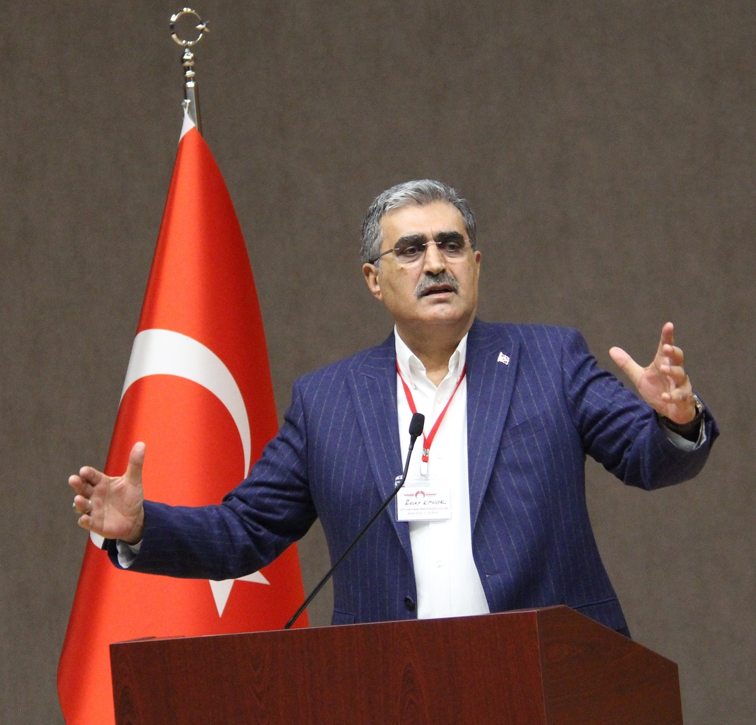 """""""EKONOMİYİ İSTİKRAR BÜYÜTÜR, ÜRETİME BİLİM BOYUT ATLATTIRIR"""""""